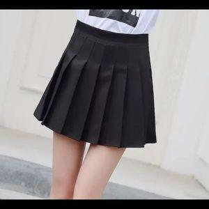 Dresses & Skirts - Black mini skirt